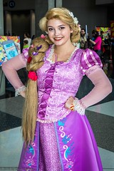 _5813080 Atlanta ComicCon Sat 7-14-18 (dsamsky) Tags: 7142018 atlanta atlantacomiccon cosplay cosplayer costumes georgiaworldcongresscenter models rapunzel saturday