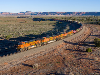 BNSF 3977 East at North Guam, NM