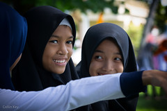 look! (Collin Key) Tags: eyes bandanaira moluccaislands hijab portait indonesia maluku girls banda indonesien id