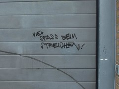 Viel Spaß (mkorsakov) Tags: dortmund nordstadt nordmarkt graffiti tagging parole slogan tor gate grau grey