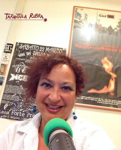 Anna Nacci 🎶 #tarantularubra  📷 ] ; ) ::\☮/>> http://www.elettrisonanti.net/galleria-fotografica #radiondarossa 🔊 #conduttriceradiofonica 🙌 #popolare #world #folk 🎻#fusion #reggae #musica👹 #sottosuolo