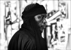 L'homme au chèche... / The man wearing an arabic scarf... (vedebe) Tags: netb noiretblanc nb bw monochrome ville city street rue urbain urban urbanarte portraits portrait