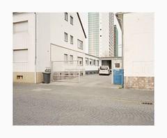 Ehrenfeld, 2018 (Darius Urbanek) Tags: urban 65mm 6x7 analog color film kodak mamiya7 mediumformat portra400 germany cologne köln mamiya 7 analogue ehrenfeld