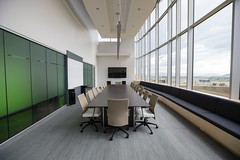 startup office meeting table credit to https://1dayreview.com (1DayReview) Tags: startup freelancer ceo office desk research