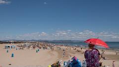Pole position ... (Alex Verweij) Tags: poleposition pole eersteplek beach sky sun zon strand alexverweij valencia stad city fujifilm xt20 umbrella paraplu citytrip