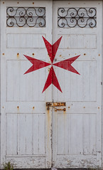 Maltese Door (Lee Rosenbaum) Tags: sliema malta cross maltesecross architecture door tassliema mt
