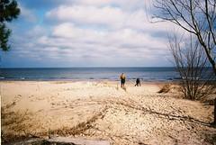 F1030036 (kunderwet) Tags: beach water sea sand sopot poland baltic konicahexar konica hexar 35mm pointshoot analogue