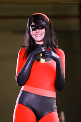 The Incredibles (Lon Winchester Photography) Tags: theincredibles elastigirl helenparr hanamachiday cosplaycontest canoneos5dmarkiii sigma85mmf14artdghsm cosplay fantasy superheroes