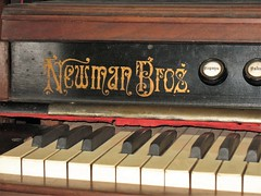 Another Illinois - Made Parlor Organ (ilgunmkr - Mourning The Loss Of My Wife Of 52 Year) Tags: organ parlororgan victorian walnut 19thcentury henrycountyillinois bishophillillinois newmanbrothers chicagoillinois chicago enjoyillinois