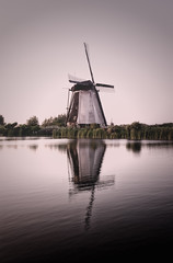 kinderdijk (LitoMartenzo) Tags: sunset windmill kinderdijk holland landscape lake