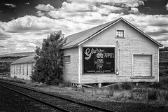 Glen Ian Apples (D E Pabst Photography) Tags: agriculture washington washtucna wooden orchard warehouse apples whitmancounty hooper fruit building railroad