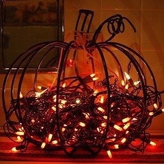 🎃 Halloween 🎃 (halloweendecorationinspiration) Tags: halloween decorations blog decoration decor for happy trick or treat fall autumn vintage gothic october 31 spooky jack scary creepy horror pumpkin pumpkins skeleton ghost vampire spider dark yard back home