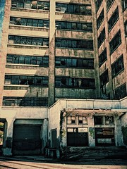 (kateb0625) Tags: explore day business citystreets downtown city kansascity westbottoms brokenwindows old abandoned building statement crime