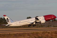 "Norwegian Boeing 787-9 Dreamliner LN-LNO 180726 ARN (Anders ""Bromma"" Nilsson) Tags: lnlno 7879 dreamliner norwegian arlanda essa roald"