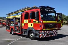 Lincolnshire - WU63AON - Lincoln North - WrL (matthewleggott) Tags: lincolnshire fire rescue service engine appliance hq nettleham wu63aon man jdc john dennis coachbuilders jdc07 lincoln north