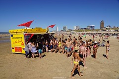 DSC02625 (ZANDVOORTfoto.nl) Tags: zandvoort aan zee strand stranddag 1 2018 weer zon sun sea coast patat de rij watertoren