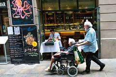 Fidelitat (rossendgricasas) Tags: people gent street streetphotography person fidelity barcelona cat catalonia urban urbanexplorer photography photoshop photo photoday nikon tamron mac