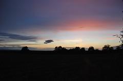 Tarporley 150618 - DSC_0804 (Leslie Platt) Tags: cheshirewestchester exposureadjusted redhillsunset straightened tarporley