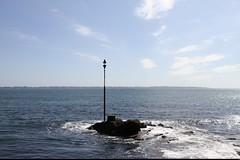 Autour de Lorient (1) (Sebmanstar) Tags: bretagne lorient morbihan france french europe europa mer water ocean region travel traveler tourisme tourism paysage landscape light ballade bateau boat côte bretonne beach plage