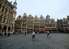 Guild Houses in Brussels, Belgium (` Toshio ') Tags: toshio brussels belgium guildhouse grandplace guild square cityhall city townhall hoteldeville people history europe european europeanunion architecture travel tourism