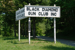 Black Diamond Gun Club (travelkaefer) Tags: blackdiamond washington projectrt vereinigtestaaten usa gun club gunclub shooting trees green spring sign text letter tradition culture landofthefree wa 00er