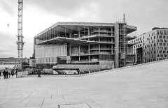 Construction (new national library) (AstridWestvang) Tags: architecture building construction library oslo people