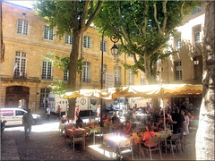 ambience provençale (Bernergieu) Tags: aixenprovence provence france frankreich light trees people handyshot