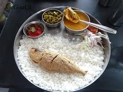 Fish curry rice thali (Joegoaukfishcurry2) Tags: joegoauk goa fish curry