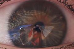 Self portrait (Flavio Calcagnini) Tags: eyes eye occhio autoritratto ritratto sea mare self portrait t shirt red blue riflesso reflections gray