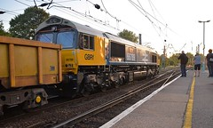 More BR Large Logo Livery, this time GBRf Class 66 No.66789 'British Rail 1948-1997' with the setting Sun glinting off its side as it passes through Ipswich with the 20.14 Parkeston - Whitemoor.  04 07 2018 (pnb511) Tags: trains railway ipswich greateasternmainline geml infrastructure gbrf engineering train loco locomotive diesel engine class66 platform track points ohc electric overhead cable catenary traction