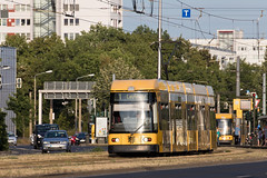 NGT 6 DD Nr. 2584 (rengawfalo) Tags: ngt dresden sachsen saxony dvbag dresdnerverkehrsbetriebe tram tramway strasenbahn train railroad bahn tranvia tramvaj elektricka öpnv publictransport urbanrail tramwaj sporvogn car road