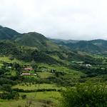Le montagne della cordigliera andina verso la città di Silvia
