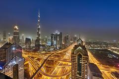Dubai Downtown (Joao Eduardo Figueiredo) Tags: dubai downtown burj khalifa burjkhalifa shangrila hotel skyline united arab emirates unitedarabemirates uae nikon nikond850 joaofigueiredo joaoeduardofigueiredo d850 light trails buildings skyscrapers architecture