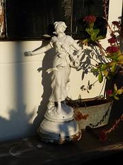 Lekker in 't Zonnetje (Omroep Zeeland) Tags: schouwenduiveland padmos burgh burghhaamstede statue beeld