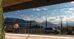 reflexos (jakza - Jaque Zattera) Tags: reflexo pessoa vidraça dongueino