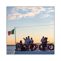Vacationers (Luca Cesari) Tags: vacanza barca olympus olympusom1markii lago trasimeno italia italy umbria zuiko