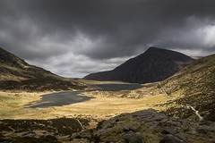 Cwm Idwal, Snowdonia (Keartona) Tags: snowdonia landscape llynidwal cwmidwal penyrolewen scenery dramatic rugged mountains mountain moody sky cloud nature naturereserve wales northwales