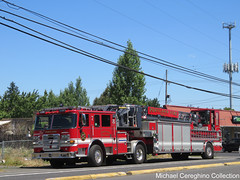 Portland Fire & Rescue Truck 7 (Michael Cereghino (Avsfan118)) Tags: pfb pfr portland fire and rescue truck 7 seven t7 t pierce tiller hook ladder apparatus engine bureau coe cab over cabover