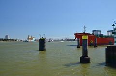 Botlek (Hugo Sluimer) Tags: portofrotterdam port haven nlrtm onzehaven rotterdam zuidholland holland nederland