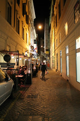 Brillo Restaurant (Flint Foto Factory) Tags: rome roma italy italia urban city autumn fall november novembre 2017 vacation holiday night nocturnal evening brillo restaurant ristorante alley narrow street via dellafontanella 12 00187 outdoor sidewalk seating shopping merchandise commercial retail