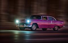 Lights von Havanna (6 Sichtweisen) Tags: amicar auto havanna karibik kuba malecon nachtaufnahme oldtimer verkehr mitzieher night car chevrolet chevy light travel nightshot cuba lahabana