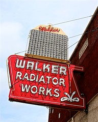 Walker Radiator Works (i saw the Sign) Tags: walkerradiatorworks neon bulb sign signage memphis tennessee tn commercial commerce advertisement radiator