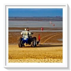 m3 RNLI tractor (Mallybee) Tags: dcg9 g9 mallybee lumix legacylens manualfocus jupiter8 50mmf2 cleethorpes rnli
