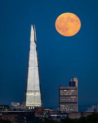 Moon With The Shard (JH Images.co.uk) Tags: shard london moon skyscraper city night fullmoon