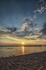 Summer Sun Sand (M-Z-Photo) Tags: gunzenhausen bayern deutschland de altmühlsee abendstimmung sonnenuntergang strand sand wellen wolken himmel landschaft reflxionen