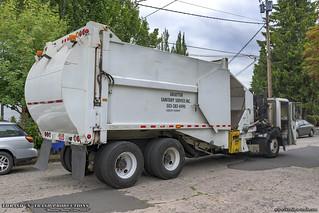 CCC LET2 - E-Z Pack HCSLA Garbage Truck