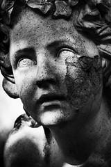 (Px4u by Team Cu29) Tags: münchen gesicht statue portrait friedhof grabmal grabstein grabstätte verletzung gewalt frostschaden schaden altersüdfriedhof munich südfriedhof graveyard grave face violence einfarbig schärfentiefe surreal personen