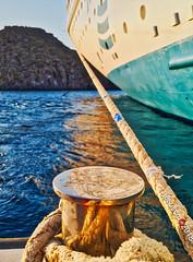 atado a ti - tied to you (jesuscm_Huawei P20 series) Tags: sra boat buque ship cruise crucero soga rope isla island mar egeo maregeo aegeansea patmos grecia huaweip20 jesuscm
