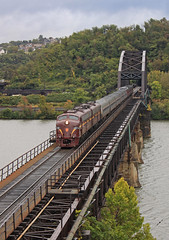 PRR on the Port Perry (GLC 392) Tags: light down town color position evening rail bennett levin e8 e8a emd 5711 5809 pa pennsylvania passenger train prr railroad railway jtfs jtcx amtrak station upmc national day locomotive tree sky car port perry bridge river monogahela duquesne cp control point j tower