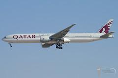Qatar Airways - Boeing 777-300ER - A7-BEB (Stavridis - Aviation & Photography) Tags: a7beb qr qatar airways qatari doh doha uae dxb dubai omdb gulf khaleej khaleeji boeing 777 777300 777300er spotting avgeek aviation airliners airline runway airport landing finals